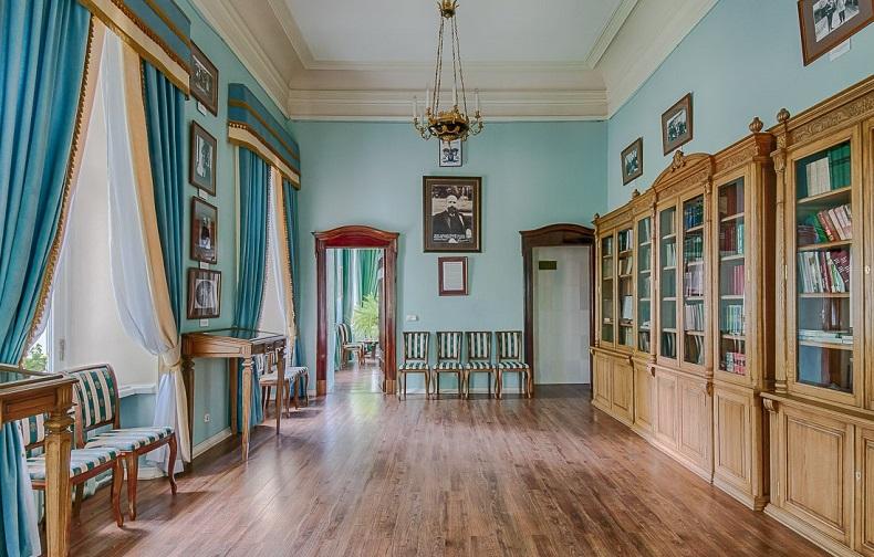 Главный дом Середниково