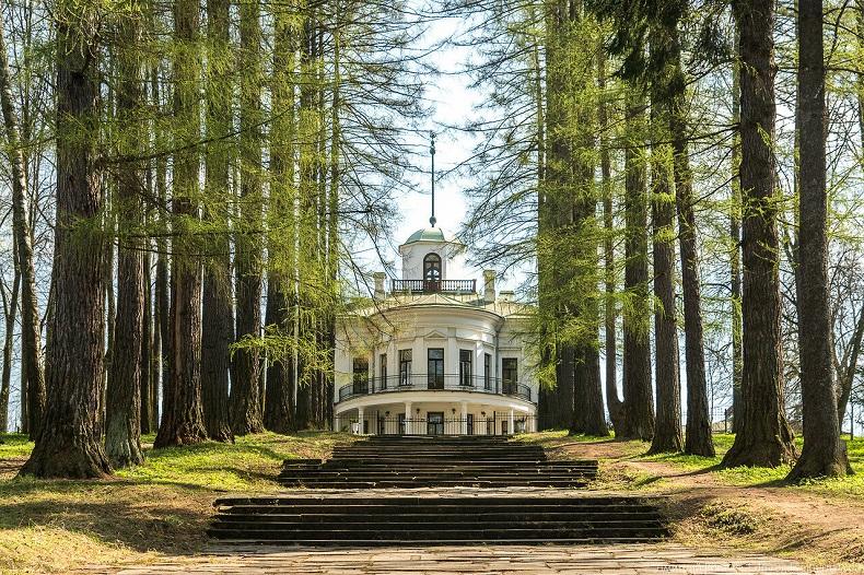 Парк в усадьбе Середниково