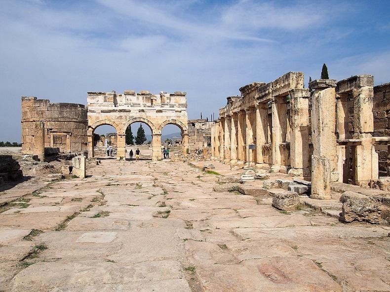Ворота Арки Домициана
