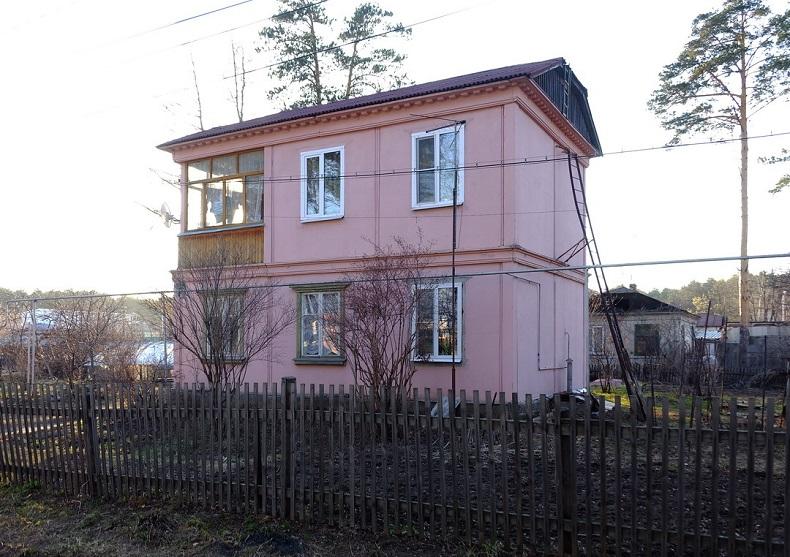 Первый панельный дом