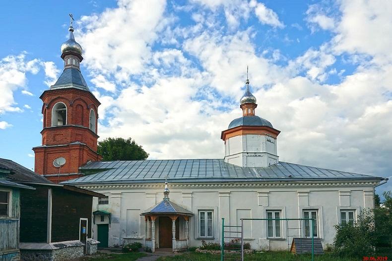 Покровская церковь Верея