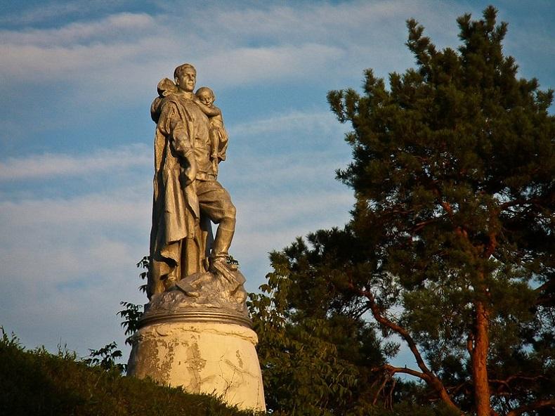 Памятник Воину-освободителю Верея