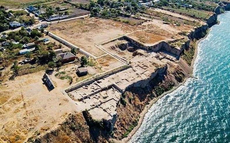 Городище древних поселений Гермонасса – Тмутаракань