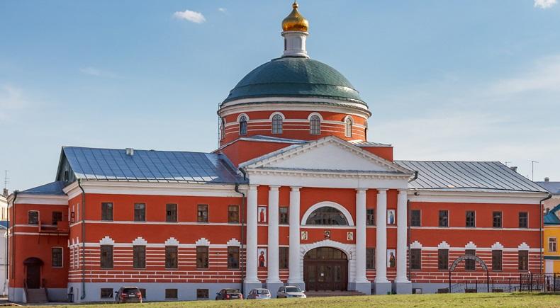 Крестовоздвиженский собор Казань