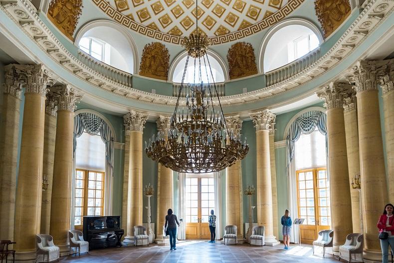Овальный зал Архангельское