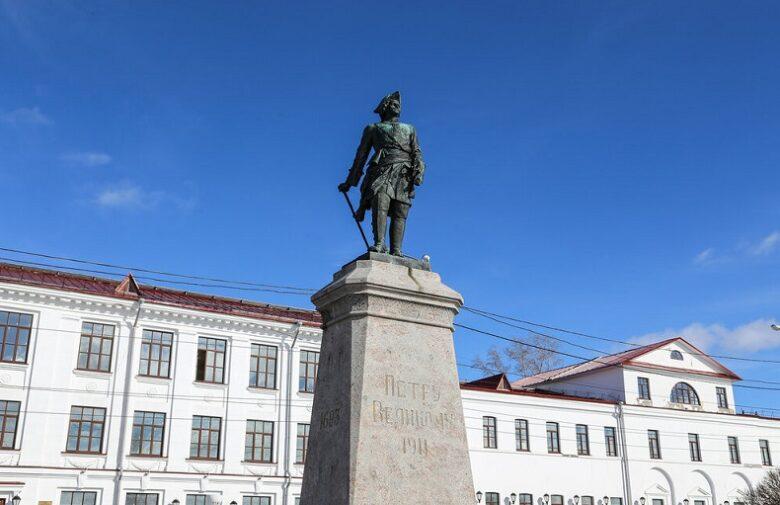 Памятник Петру Великому Архангельск
