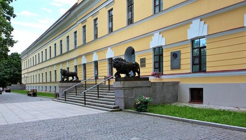 Здание Присутвенных мест Великий Новгород