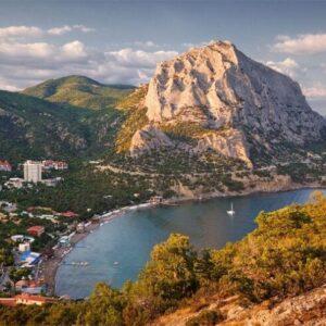 Достопримечательности Нового Света — горы, море и князь Голицын