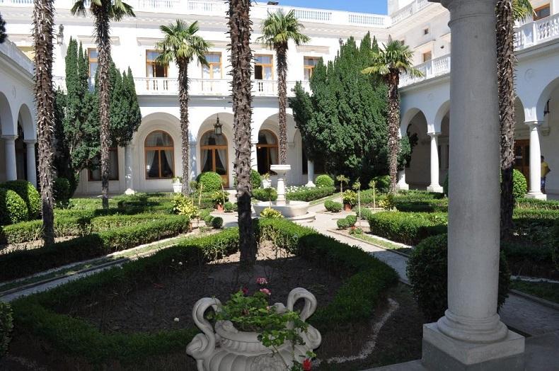 Итальянский дворик, Ливадийский дворец