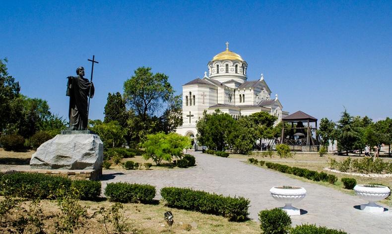 Памятник Андрею Первозванному Херсонес