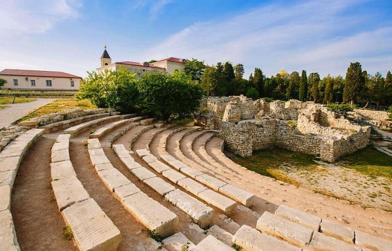 Херсонесский театр