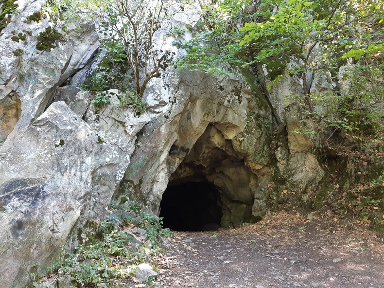 Пещера вечной мерзлоты Железноводск